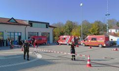 Drei ABC-Erkundungswagen hintereinander auf dem Hof der Feuerwehr Aschheim.