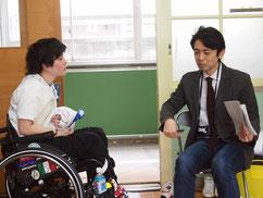 櫻井杏理選手を取材する山田アナウンサー