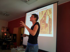 Dr. Pia Aumeier informierte über das Leben von Wespen und Hornissen.