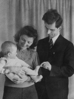 Abb.7: Die letzte Fotografie von Walter zusammen mit seiner Schwester und deren Kind (1940).