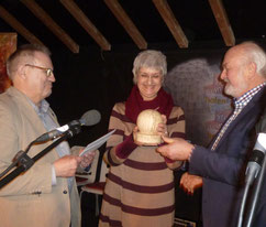 Elisabeth Kuhs erhält den ersten Publikumspreis