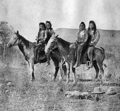 Shoshonen auf Pferden