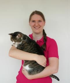 Susanne Kürner, Tierheilpraktikerin und mobile Tierbetreuerin in Tübingen, mit ihrer Katze