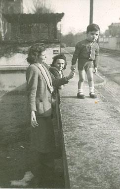 Mai 1950, je suis avec ma mère et Célie