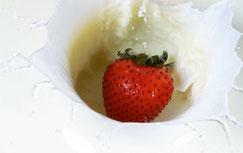 Erdbeeren auf Sahne, Sahnige Erdbeeren, Cremige Erdbeeren, Erdbeer-Sahne-Liquid