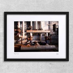 Piping tuyaux usine abandonnée lieu désaffecté urbex salle des machines photo cadre photographie encadrée achat