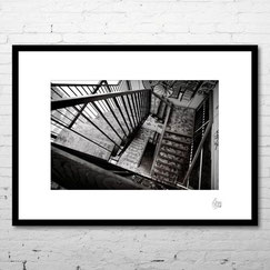 photo art contemporain architecture escalier noir et blanc stairwell