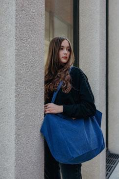 Tote Bag - totebag - große Tasche - Umhängetasche - Shopper - Cordtasche - Cord - lange Henkel - Unitasche - blau - blaue Tasche - kobaltblau - Damentasche -
