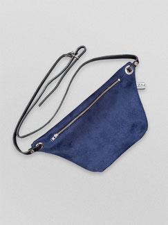 Bauchtasche - Suede - blau - Gürteltasche - Tasche - Handtasche - Damentasche - Umhängetasche - Bauchtasche Suede - Recyclingleder - Wildlederimitat - Düsseldorf - lokal gefertigt - Handgemachte Taschen - dunkelblau - blaue Tasche - zacamo