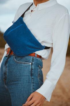 Bauchtasche - Bauchtasche Cord L - große Bauchtasche - Cord - cordtasche - Tasche - Handtasche - Gürteltasche - Umhängetasche - Bumbag - Crossbodybag - vegane Tasche - faire Tasche - nachhaltige Tasche - zacamo - kobaltblau