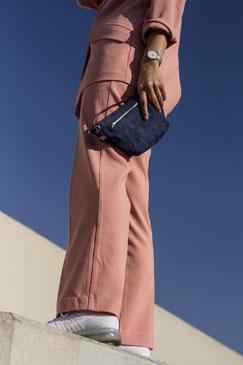 Bauchtasche Suede - Tasche - suede - gürteltasche - Handtasche - blaue Tasche - blau - Umhängetasche - Ledertasche - Düsseldorf - lokal produziert - samtig - verstellbar - innenfach - Mode - Tasche - Handtasche - zacamo