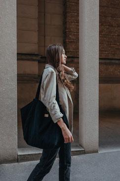 Tote Bag - totebag - große Tasche - Umhängetasche - Shopper - Cordtasche - Cord - lange Henkel - Unitasche - schwarz  - Damentasche .