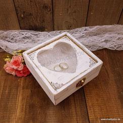 Ringkissen Holz Herz shabby vintage weiß