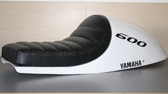 Confection d'une selle de moto Yamaha