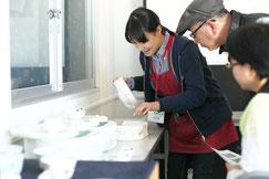 陶磁器の成形方法について詳しくお教えいたします。