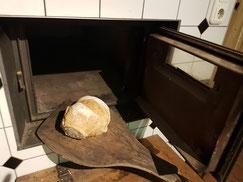 Hilpert's Höfle selbsgemachtes frisches Bauernbrot frisch gebacken handgemacht Holzofenbrot mit Liebe gebacken aus Liebe zum Tier und zu Dir!