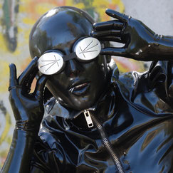femalemask, latexhood, latexmaske, doll, rubberdoll, fetishmodel, latexfetish, heavyrubber,