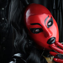 female maske, latexhood, latexmaske, doll, rubberdoll, fetishmodel, latexfetish, heavyrubber,