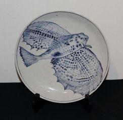 魚紋染付皿(魴鮄)(径31CmX高4.5Cm)