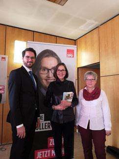 v. l. Bürgermeister von Neuental Dr. Philipp Rottwilm, Landtagsabgeordnete Regine Müller, SPD Ortsvereinsvorsitzende Birgit Sandner