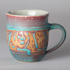 Handgedrehte Keramiktasse Rosendekor