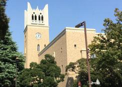 母校の早稲田大学大隈講堂