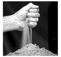 La poussière se dépose partout dans les optiques des microscopes