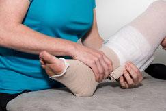 Mehrere Therapeuten bei uns haben die spezielle Lymphedrainage Ausbildung gemacht und sind somit Krankenkasse und EMR anerkannt.