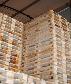 Seized pallets. The (fake) EPAL logo is well visible  -  courtesy of European Pallet Association