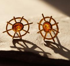 Safir gelb leuchtend in Gold gefasst Ohrstecker Handwerkskunst