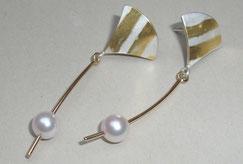 Ohrringe mit echten Perlen aus Gold und Silber beweglich