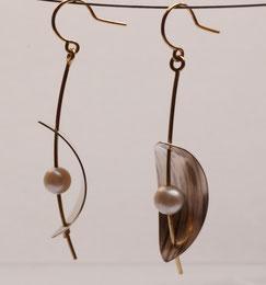 Ohrringe mit echten Perlen handgefertigte Unikate aus Gold, Silber und Palladium
