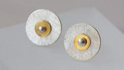 mehrteilige Ohrstecker aus Silber und Gold