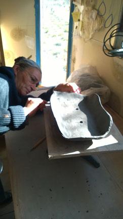 Sylvie Ruiz-Foucher à l'atelier ...