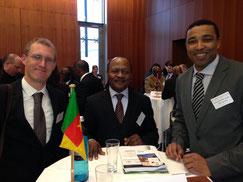 Alexander Sipua und H.E. Botschafter Jean Marc MPAY (Kamerun)