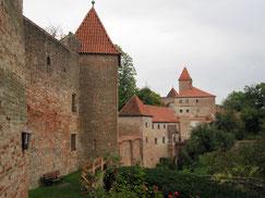 Burg Trausnitz, Blick auf die Vorburg und den Zwinger
