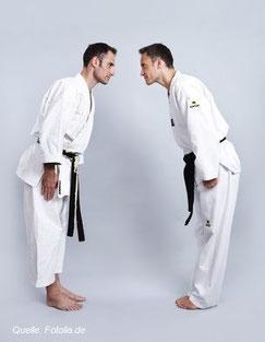 An japanischen Schulen und Universitäten ist Kampfsport ein fester Bestandteil des Unterrichts für alle Schüler und Studenten.