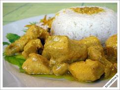 Pollo al curry con tortino di riso ricetta