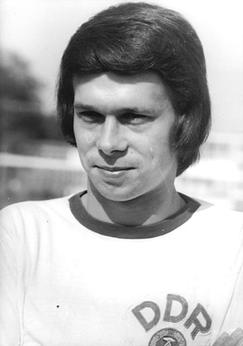 Jürgen Sparwasser célèbre pour avoir marqué l'unique but de la rencontre face à la RFA lors de la Coupe du Monde FIFA 1974.