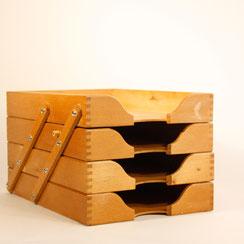 Dokumentenablage aus Holz