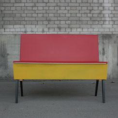 mid century Küchenbank mit Bezug aus Vinyl, Conni Kern Interior: Design und vintage Möbel, Leuchten und Objekte in Mannheim