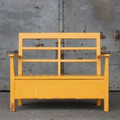 gelbe Sitzbank für Kinder mit Stauraum, Conni Kern Interior: Design und vintage Möbel, Leuchten und Objekte in Mannheim