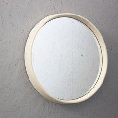 kleiner runder Spiegel mit weißem Rahmen aus Kunststoff, Conni Kern Interior: Design und vintage Möbel, Leuchten und Objekte in Mannheim