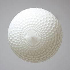 Aloys Gangkofner für Erco, weiße Ballon Pendelleuchte. Conni Kern Interior: Laden für Design und vintage Möbel, Leuchten und Objekte in Mannheim.
