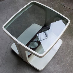 space age Barwagen mit Glaspatte, Conni Kern Interior: Design und vintage Möbel, Leuchten und Objekte in Mannheim