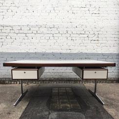 Herman Miller executive desk, George Nelson, Chrom Base. Conni Kern Interior, vintage Möbel, Leuchten und Objekte. Designklassiker in Mannheim.
