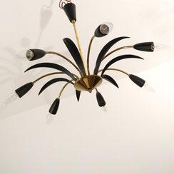 Sputnik Deckenleuchte mit schwarzen Palmblättern und Messingdetails, Conni Kern Interior: Design und vintage Möbel, Leuchten und Objekte in Mannheim
