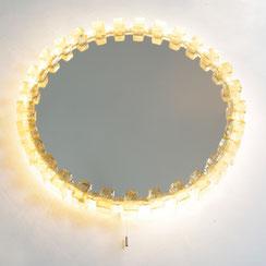 beleuchteter mid century Spiegel von Hillebrand Leuchten. Conni Kern Interior, vintage Möbel, Leuchten und Objekte in Mannheim.