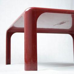 Tisch Artemide Demetrio 70 von Vico Magistretti in rot, Conni Kern Interior: Design und vintage Möbel, Leuchten und Objekte in Mannheim