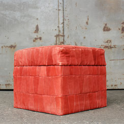 Patchwork Pouf Hocker aus Wildleder in rosé, Conni Kern Interior: Design und vintage Möbel, Leuchten und Objekte in Mannheim
